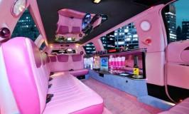 Noleggio limousine rosa Milano
